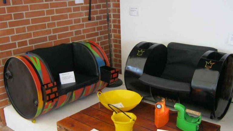 Tendencia muebles realizados con tachos de aceite - Objetos reciclados para el hogar ...