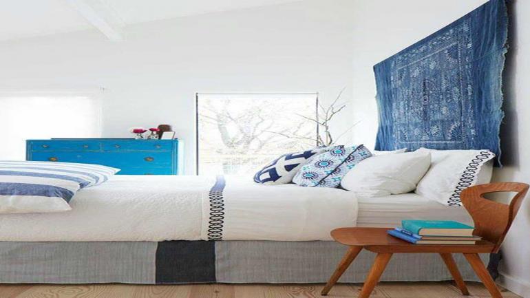 Las telas, alfombras y tejidos de varios colores son buenas opciones para darle al dormitorio un toque diferente. (Grupo Edisur)