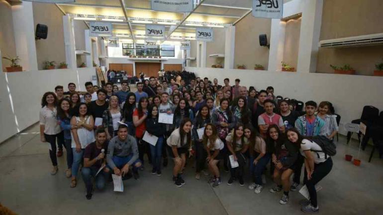 ACTIVOS. Del encuentro participaron cientos de jóvenes de diferentes escuelas secundarias de Córdoba (Defensor del Pueblo).