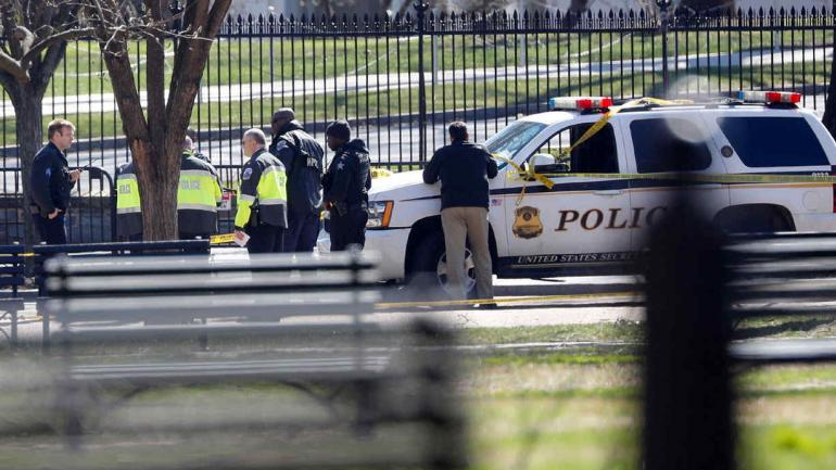 AUTORIDADES. En inmediaciones de la Casa Blanca, este sábado (AP/Pablo Martinez Monsivais).