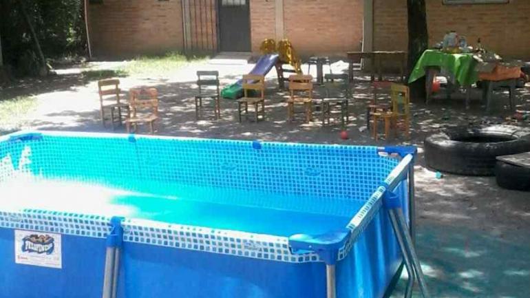 Bebé murió en la pileta de lona de una guardería — Córdoba
