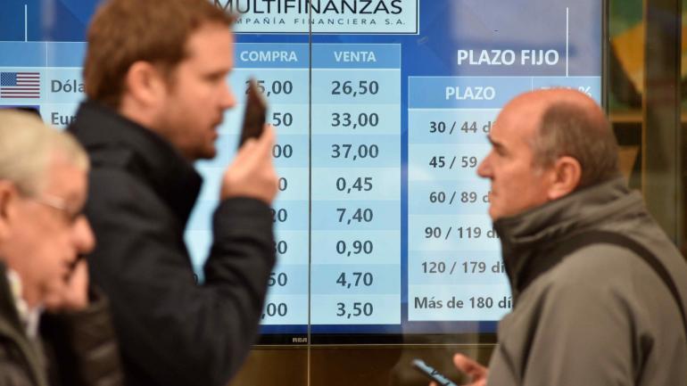 El mismo Banco Central reconoció que hoy podría verse el efecto monetario de la renovación de Lebac, y no se descarta una mayor presión en el dólar. Ayer bajó la demanda en Córdoba. Cerró a 24,50 pesos.