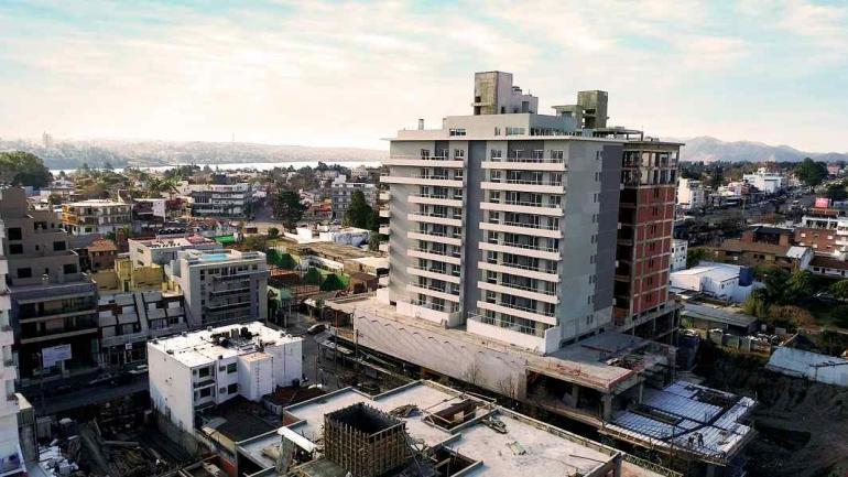 COMPLEJO. Opera Carlos Paz cuenta con un gran shopping, tres torres de departamentos y dos subsuelos de parking (Grupo Proaco).
