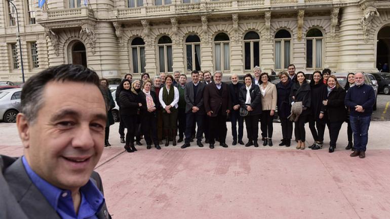 No se pudieron privar de la selfie los representantes de la Educación del país.