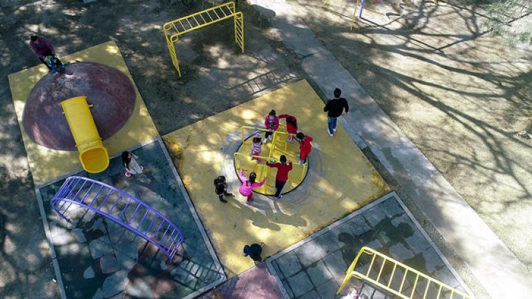 Desde el aire, imagen de dron sobre el nuevo parque educativo.