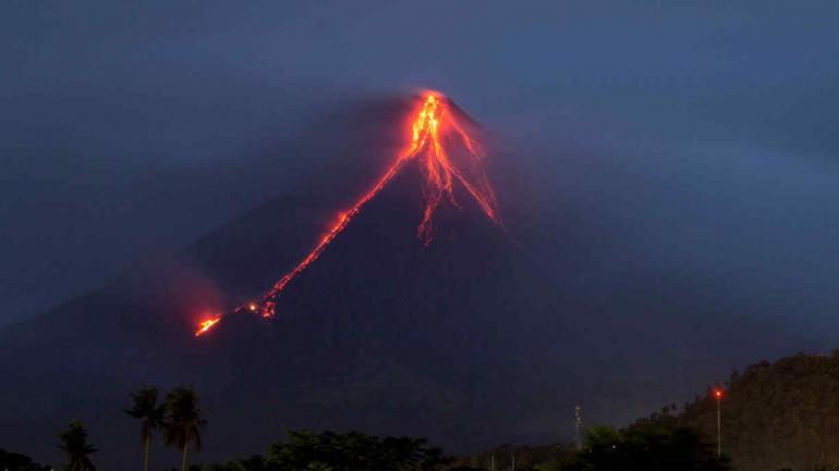 VOLCÁN. En Filipinas (AP/Earl Recamunda).