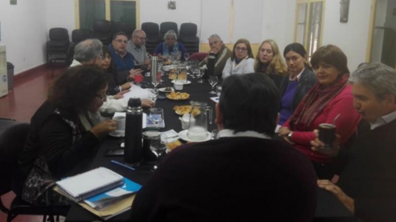 ADOPCIÓN. Cuatro asociaciones del interior estuvieron presentes en la reunión. (Gentileza Gobierno de Córdoba)