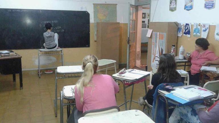 NOETINGER. Agustina durante una práctica en el profesorado.