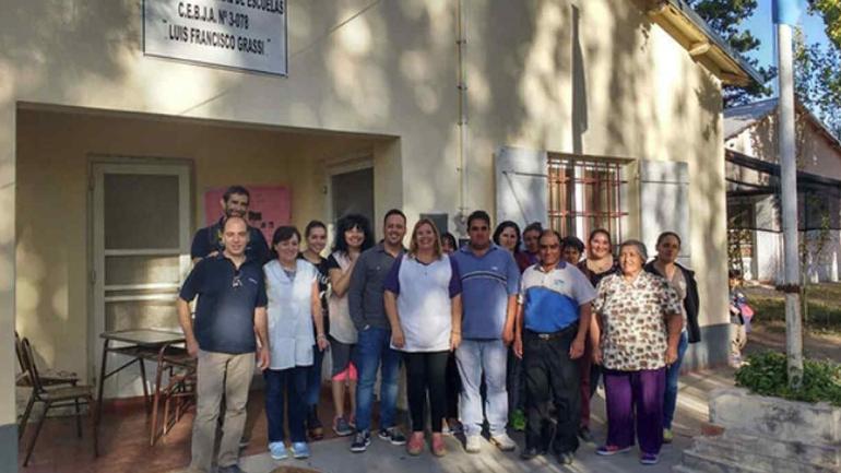 MENDOZA. Los alumnos junto a los maestros del programa educativo.