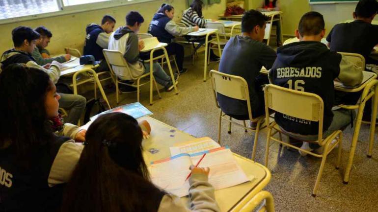 EDUCACIÓN. El Gobierno nacional firmó un decreto que desactiva el argumento para convocar a la paritaria nacional docente (Archivo).