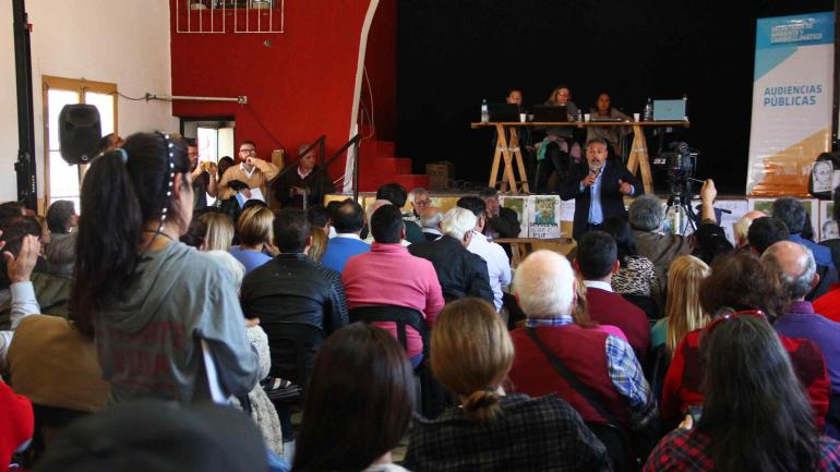 En la primera jornada, varios intendentes y legisladores provinciales de diferentes partidos se expresaron a favor del proyecto oficial.