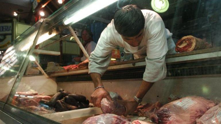 COMERCIO. La encuesta incluyó el relevamiento en 80 puntos de venta en Córdoba; 60 fueron carnicerías. (LA VOZ)