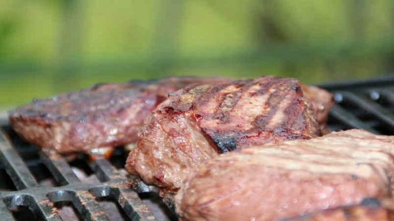 Según el Inedep, en septiembre las carnes (principal gasto dentro de los componentes de la CBA) sufrieron una suba del 1.2% (Defensor del Pueblo).