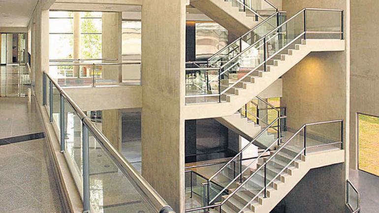 Microcemento visto til y con est tica noticias al for Construccion escaleras interiores