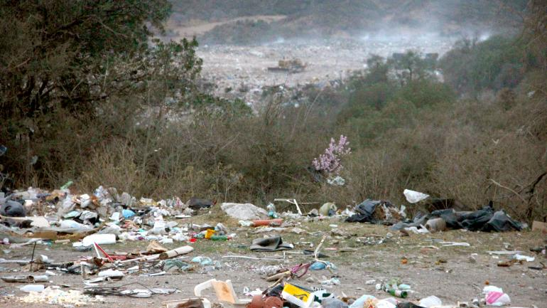 El basural cercano a Cosquín donde descargan sus residuos siete localidades de Punilla (La Voz)