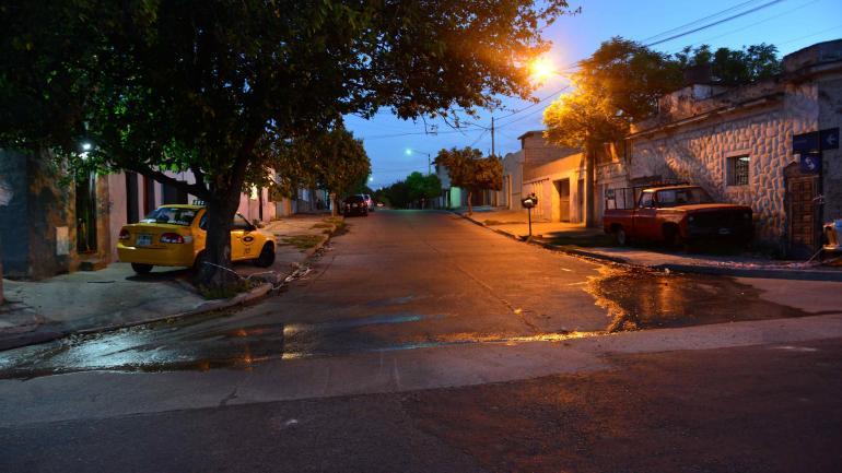 El lugar. La chica y su novio fueron baleados, el domingo a la madrugada, en esta zona de barrio Pueyrredón, en la Capital. (Javier Ferreyra / Archivo)