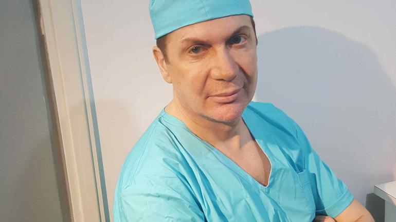 El cirujano Walter Soler comenzó en el Hospital de Niños.