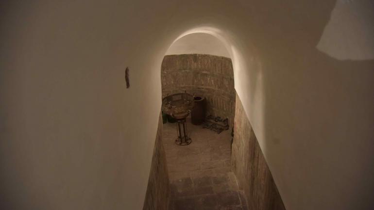 Bajo tierra. En el Colegio Nacional del Monserrat se recuperaron los túneles de origen jesuita. En toda la manzana hay comunicación subterránea. (Javier Ferreyra)