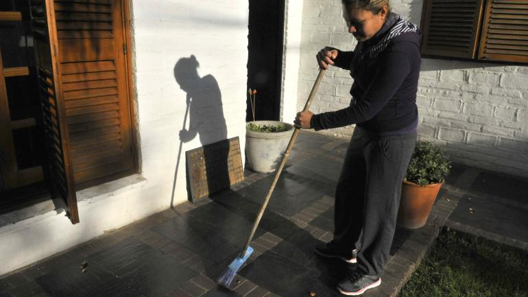 EMPLEADAS DOMÉSTICAS. Hoy es el Día del Personal de Casas Particulares. (La Voz)