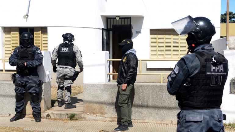 El 30 de agosto último la Fuerza Policial Antinarcotráfico (FPA) ejecutó una serie de operativos en diferentes puntos de la Provincia: la ciudad de Córdoba, Carlos Paz, Mina Clavero, Huerta Grande, Villa Rumipal y Amboy.