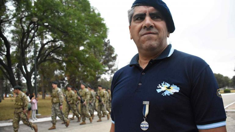 Provincia. Córdoba homenajeó a los excombatientes en un acto que se realizó en la Segunda División del Ejército. (prensa provincia)