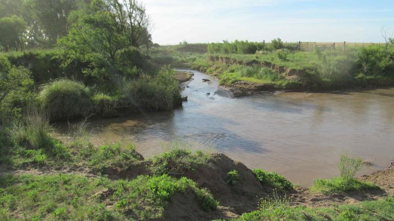 2018. El arroyo Chaján desagua ahora en el río Ají. Ambas cuencas están unidas desde 2017. (Gentileza Ceciot-unrc)