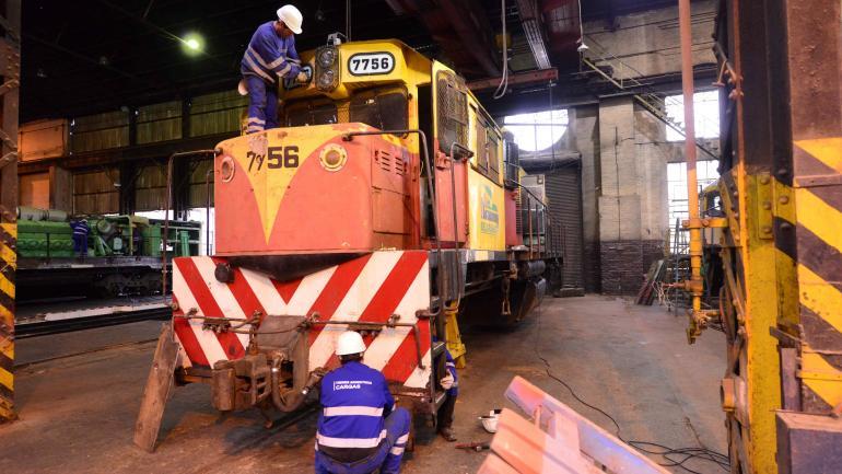 A nuevo. Se restauran íntegramente 12 locomotoras por año. (Nicolás Bravo)