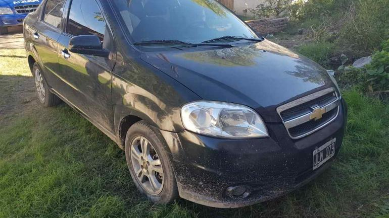 Coche. El Chevrolet Aveo fue recuperado por la Policía.