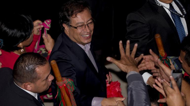 Gustavo Petro. Es el candidato de izquierda, con un pasado como guerrillero, declarado admirador de Hugo Chávez, aunque repudia a Nicolás Maduro. Obtuvo casi 4,9 millones de votos, el 25,09% del total. Siempre se manifestó a favor del acuerdo de paz con las Farc. (AP)