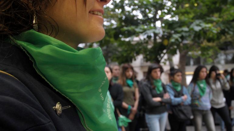 En las calles. Las manifestantes a favor y en contra se hicieron publicas en los últimos meses. (La Voz/ Archivo)