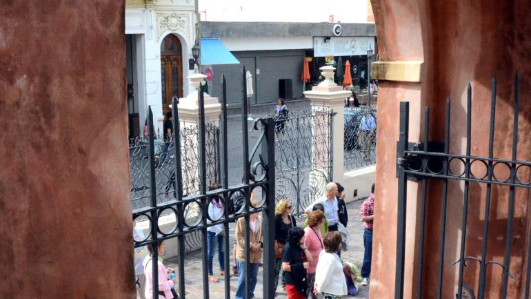 En la Capital. Julio, como Semana Santa, son los puntos de mayor turismo anual para la ciudad de Córdoba. Pesan sus circuitos históricos. (Municipalidad).