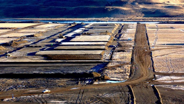 En proceso. En Santa Cruz, unos 1.500 obreros están trabajando en la construcción de las dos represas hidroeléctricas, que tienen un presupuesto de 4.300 millones de dólares. Electroingeniería integra la UTE.