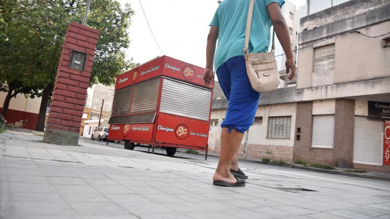 Llamativo. En julio, desde un taller mecánico de calle La Rioja se denunció el robo de 10 vehículos. (F. Luque / archivo)