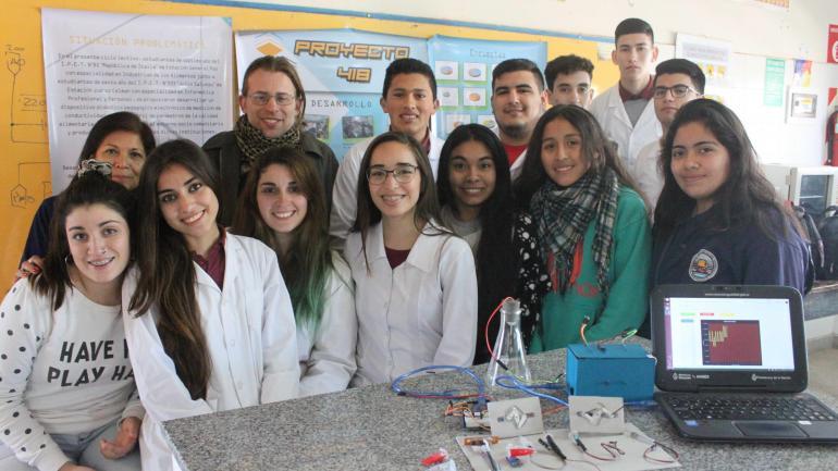 Premiados. Los trabajos de su aula obtienen premios en ferias de ciencia.