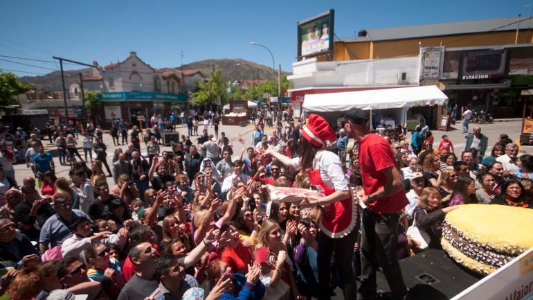 En La Falda, viene creciendo la Fiesta Nacional del Alfajor. (La Voz / Archivo)