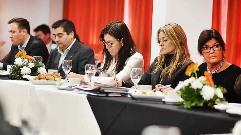 Estuvieron presentes defensores del Pueblo de las provincias de Santa Fe, Jujuy, Santiago del Estero, y de las ciudades de Río Cuarto, Villa Nueva y Frías (Defensoría del Pueblo).