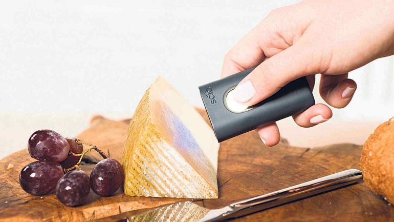Scio. Un miniestetoscopio que permite conocer datos clave de los alimentos, como las calorías.