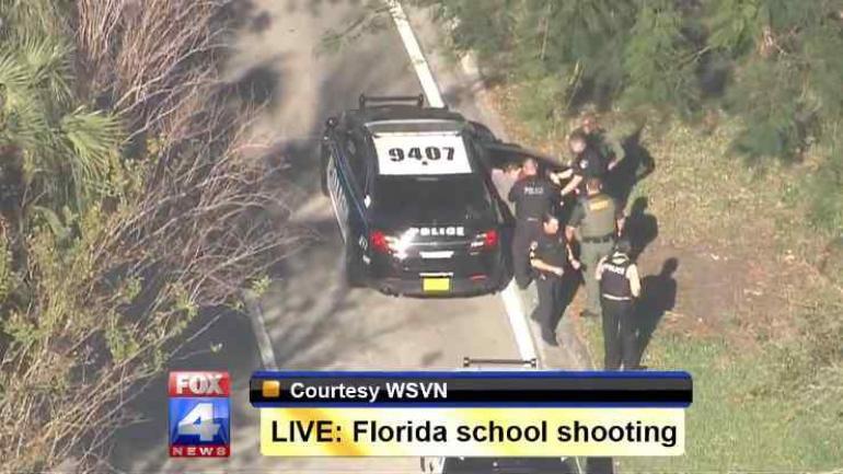 La Policía detuvo al sospechoso del ataque, un exalumno de 19 años, en una ciudad vecina. (Imagen de tv)