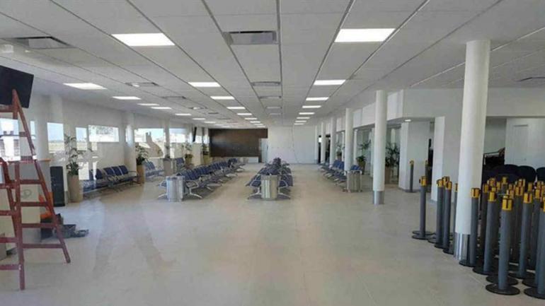 EL PALOMAR. La sala de espera del nuevo aeropuerto (La Nación).