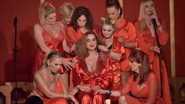 """""""Extinguidas"""". El show que reunió a vedettes y a modelos de las décadas de 1980 y 1990."""
