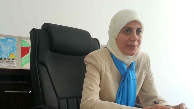 Directora. Muna, a cargo de la escuela de huérfanos de guerra en Gaziantep. Escapó del EI desde Alepo (LaVoz)