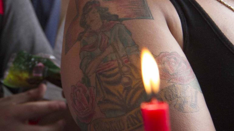 CREO EN TI. Los promesantes se lo tatúan como símbolo de protección (La Voz)