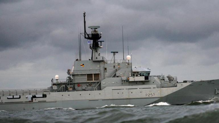 El barco británico que interceptó al buque argentino (http://www.hisutton.com).