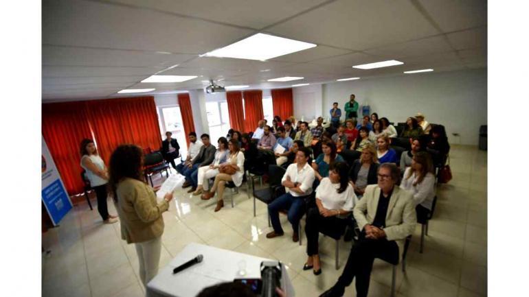 Los profesionales trabajan para fortalecer la formación y el manejo de nuevas tecnologías (Defensoría del Pueblo de Córdoba)