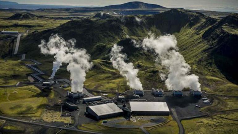 Hellisheidi. Una de las plantas geotérmicas más grandes del mundo. (BBC)