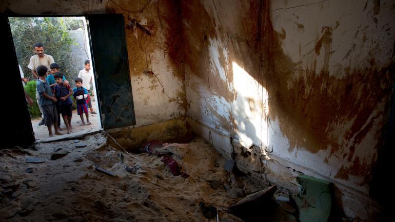 CONSECUENCIAS. Así quedaron las casas después del ataque. (AP)