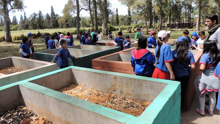 """La Para. Las """"composteras"""" donde el residuo orgánico se va transformando en abono orgánico"""