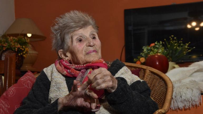 """ACTITUD. Luisa,la vecina más """"viejita"""" de Cosquín, cumple este sábado 105 años (Gentileza Jairo Stepanoff)."""