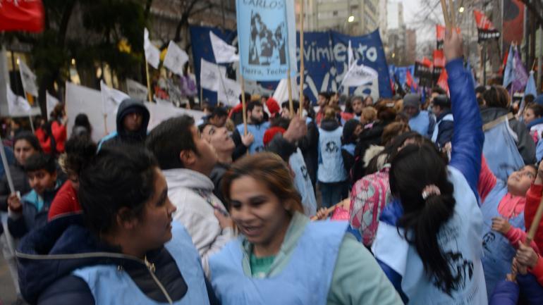 Marcha. Organizaciones sociales se movilizaron en el centro. (J. Hernández)