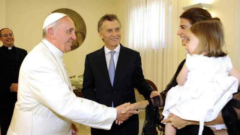 REUNIÓN. En 2013, cuando aún era jefe de Gobierno porteño, Macri fue recibido por el Papa (LaVoz/Archivo).